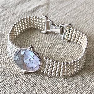 Jewelry - Dainty Silver & Crackled Paula Shell Mesh Bracelet
